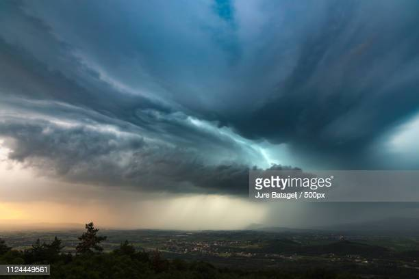 storm shapes - 雹 ストックフォトと画像