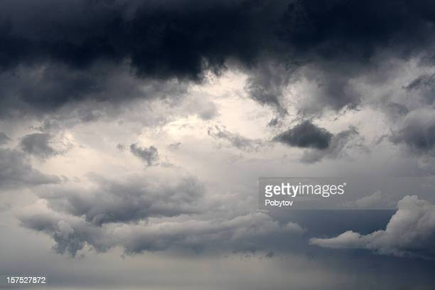 storm-cloud - moody sky stock pictures, royalty-free photos & images