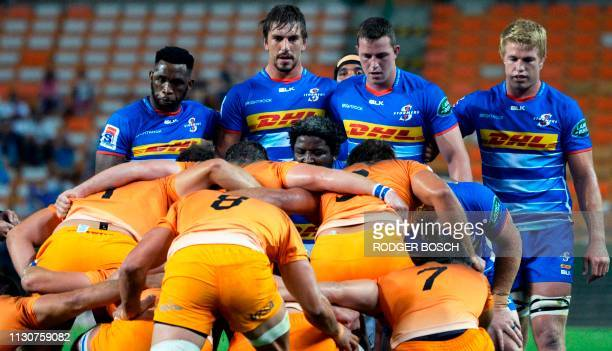 Stormers' and Jaguares' players prepare for a scrum during the Super Rugby rugby union match between South Africa's Stormers and Argentina's Jaguares...