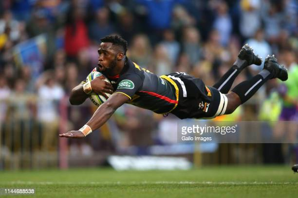 Stormers captain Siya Kolisi scores the opening try during the Super Rugby match between DHL Stormers and Crusaders at DHL Newlands Stadium on May 18...