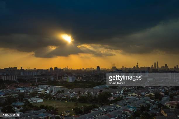 stormy and rainy sunset in downtown kuala lumpur - shaifulzamri bildbanksfoton och bilder
