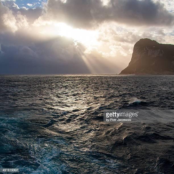 stormy rays - mer tyrrhénienne photos et images de collection