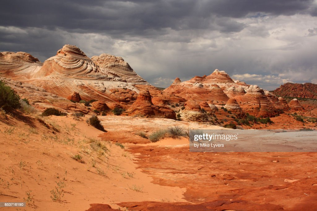 "Stormy sky over the striped ""teepees"", North Coyote Buttes : Foto stock"