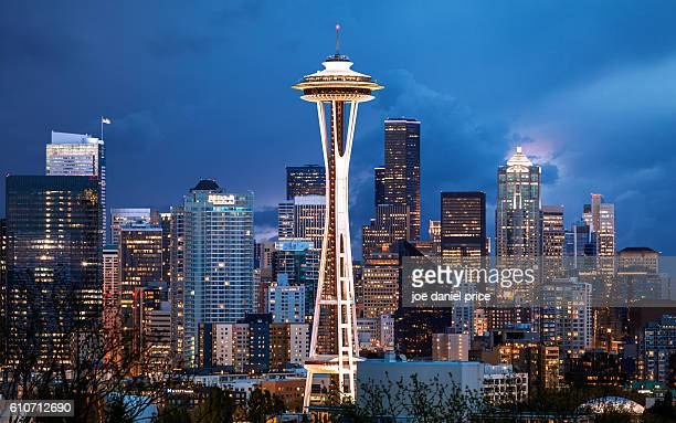 stormy sky, space needle, seattle, washington, america - washington state stock pictures, royalty-free photos & images