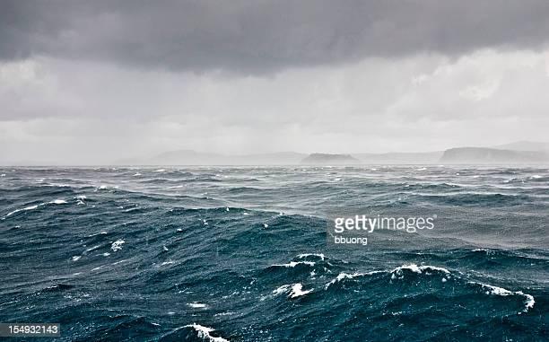 Le temps orageux et la pluie