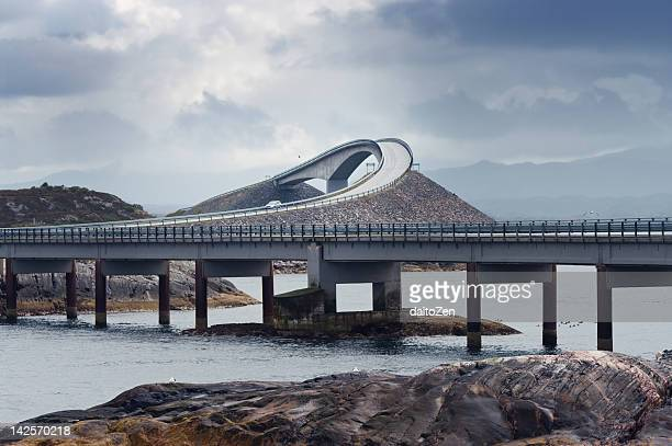 storseisundbrua bridge, atlantic road, norway - atlantik stock-fotos und bilder