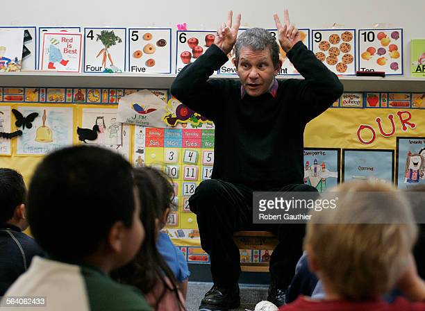 Storyteller/actor Peter Kors entertains a classroom of preschoolers at Johnston Elementary School in Norwalk Tuesday October 18 2005