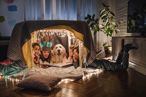 Storytelling in a tent at home! - gettyimageskorea