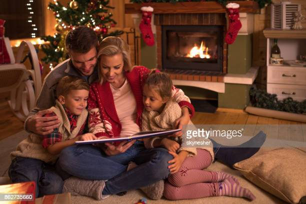 storytelling op kerstavond! - sprookjesboom stockfoto's en -beelden