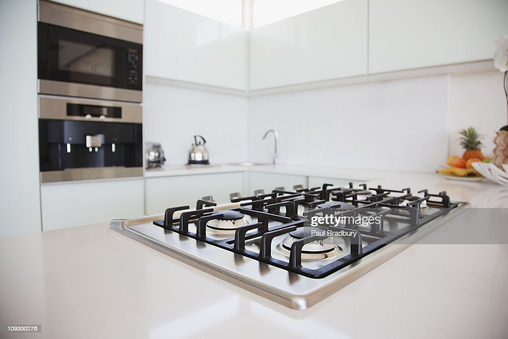 Stove and oven in modern kitchen : Stock Photo