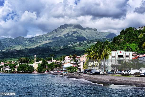 St.-Pierre y Pelee, Martinica y montaje