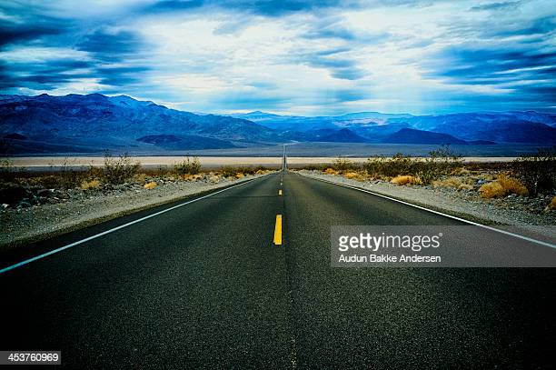 straight highway - lone pine california stock pictures, royalty-free photos & images