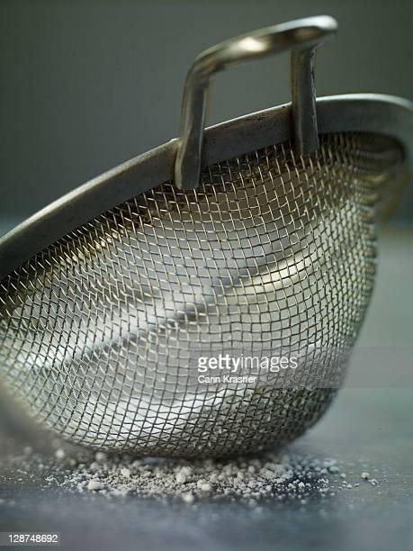 strainer - 灰 ストックフォトと画像