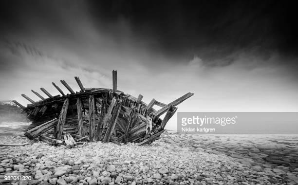 stranded viking ship - 難破 ストックフォトと画像