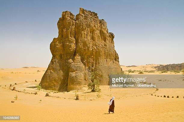 Strange rock formation La Vache Qui Pleure (the cow that cries), near Djanet, Algeria, North Africa, Africa