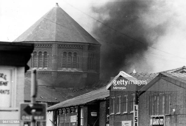 Strangeways Prison Riot 1st April 1990 A 25day prison riot and rooftop protest at Strangeways Prison in Manchester England The riot began on the 1st...