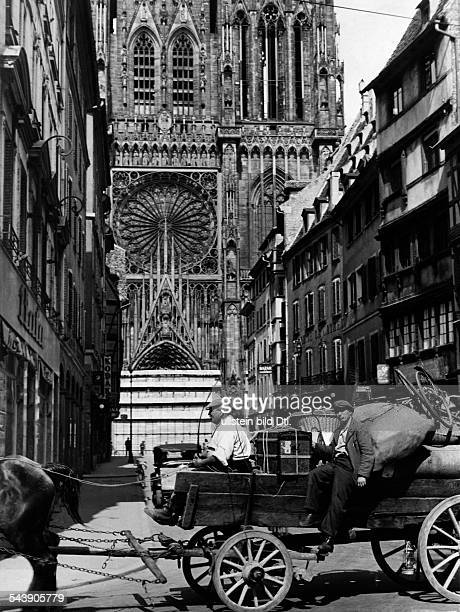 Strasbourg Alsace in 2 WW under German occupation After the entry of German troops into the town return of the inhabitants Heavy loaded horsedrawn...