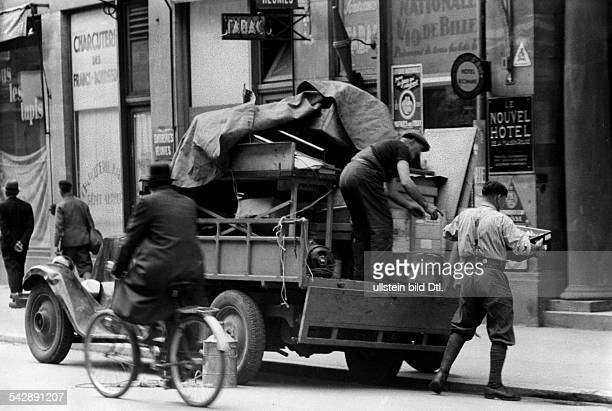 Strasbourg Alsace in 2 WW under german occupation First inhabitants returning to their homes June 1940
