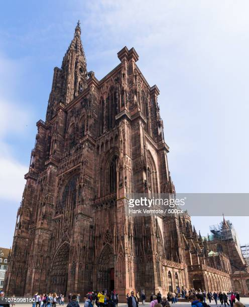 strasbourg cathedral - hank vermote stock pictures, royalty-free photos & images