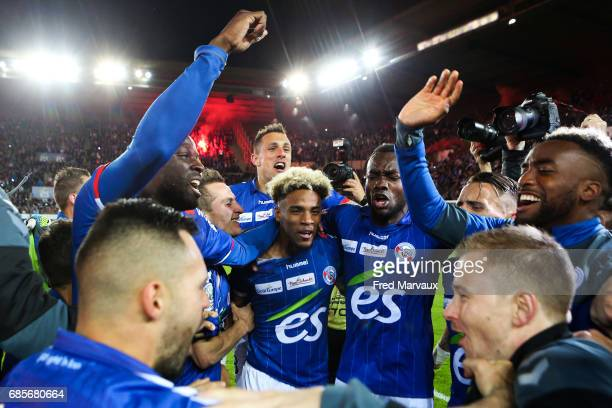 Strasbourg celebrates accesion for Ligue 1 at the end of the game during the Ligue 2 match between RC Strasbourg Alsace and Bourg en Bresse on May 19...