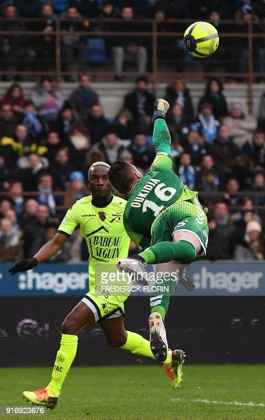 Strasbourg's French goalkeeper Alexandre Oukidja vies with Troyes' Malian forward Adama Niane during the French L1 football match between Strasbourg...