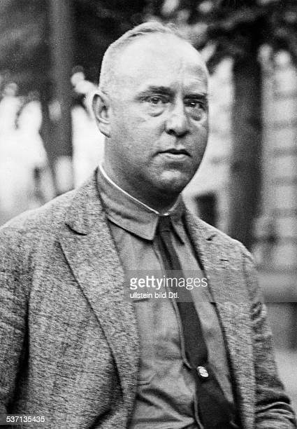 Strasser Gregor Politiker D Mitglied der NSDAP Halbportrait 1930
