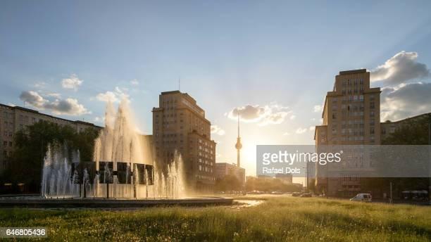 strausberger platz - urban view of berlin - フリードリッヒハイン ストックフォトと画像