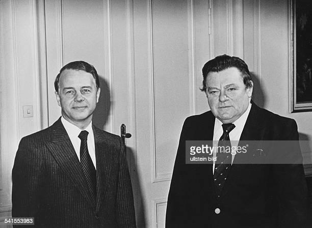 Strauss Franz Josef *Politiker CSU D der bayerische Ministerpraesident mit dem niedersaechsischen Ministerpraesidenten Ernst Albrecht 1979