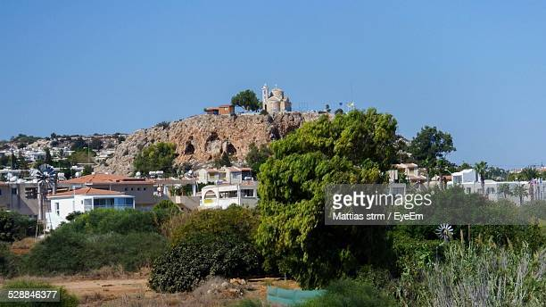 stravovanie temple castle on mountain against clear blue sky - castle mountain stock photos and pictures