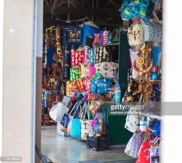 わらの市場ナッソー バハマ通り文化と市場 - ナッソー ストックフォトと画像