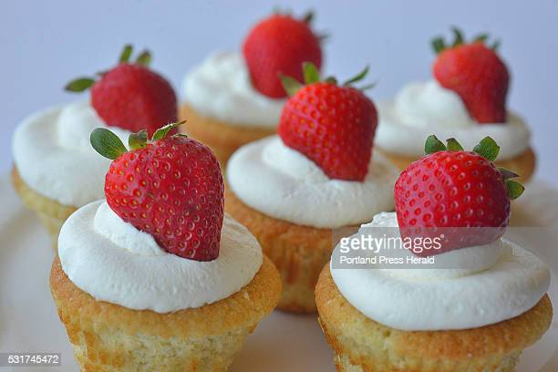 Strawberries and Cream Fairy Cakes
