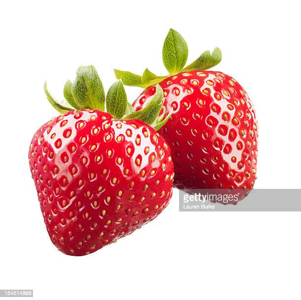 strawberries on white background - fraise photos et images de collection