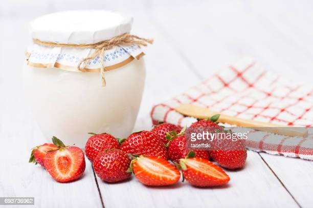Erdbeeren mit Joghurt
