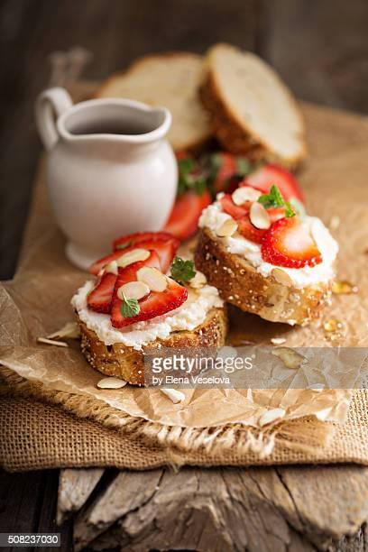 Strawberry and ricotta bruschetta with honey
