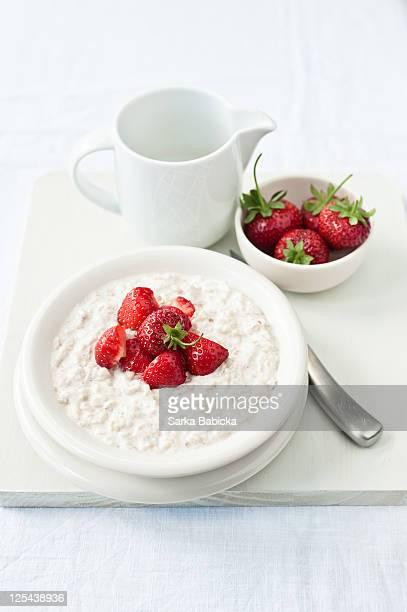 Strawberry and ricotta porridge