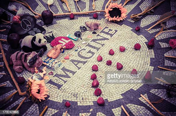 CONTENT] Strawberry Field Monument on Central Park