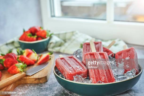 strawberry ice cream - frozen fruit stock pictures, royalty-free photos & images