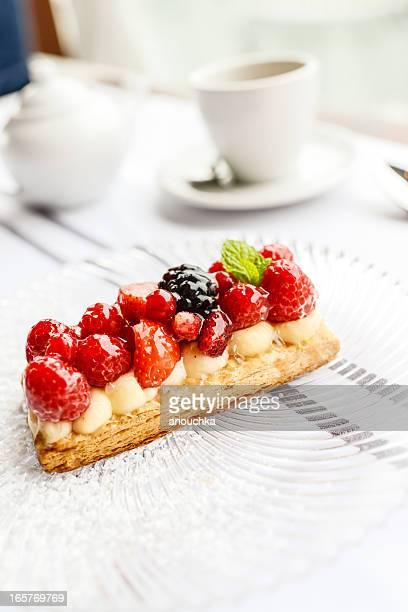 Strawberry Mille-feuilles Dessert avec café et lait