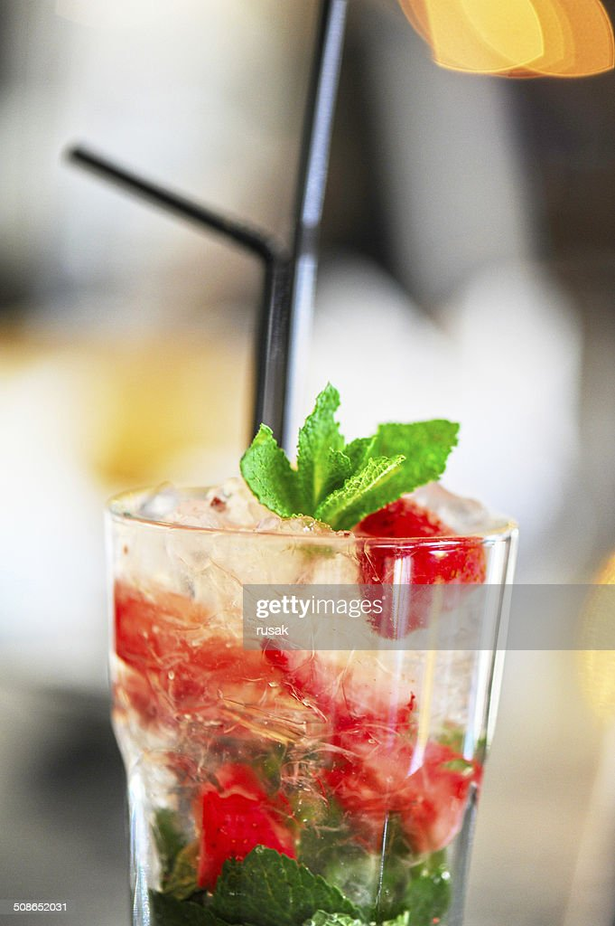 Strawberry mohito cocktail : Stock Photo
