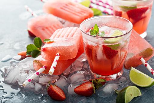 Strawberry mojito popsicles - gettyimageskorea