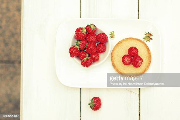 Strawberry on round Dutch toast bread