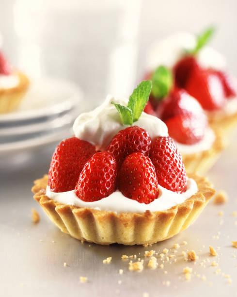 草莓蛋撻 - 餐後甜品 個照片及圖片檔
