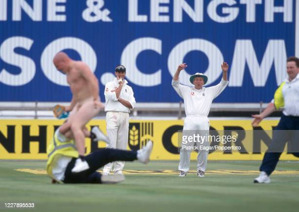 Male Streaker Photos and Premium High Res Pictures - Getty