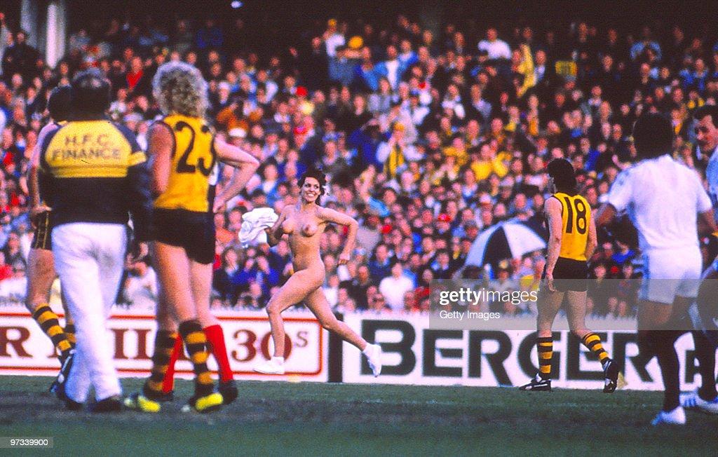 VFL 1988 Grand Final - Hawks v Demons : News Photo