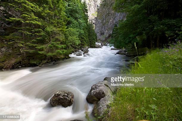 flusso - valle d'aosta foto e immagini stock