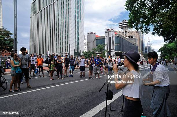 artista de rua - domingo - fotografias e filmes do acervo