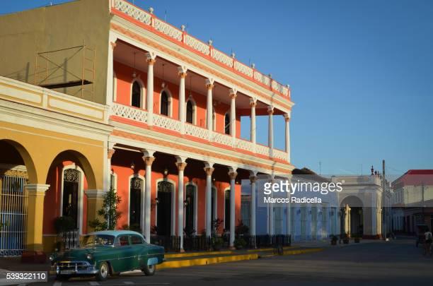 street at remedios, santa clara, cuba - radicella photos et images de collection