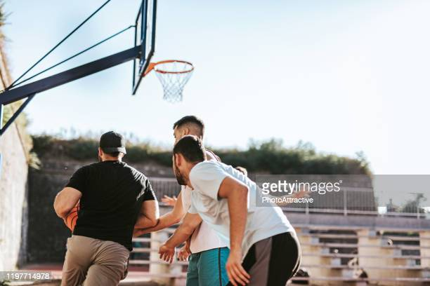 street ball crew - shooting baskets stock pictures, royalty-free photos & images