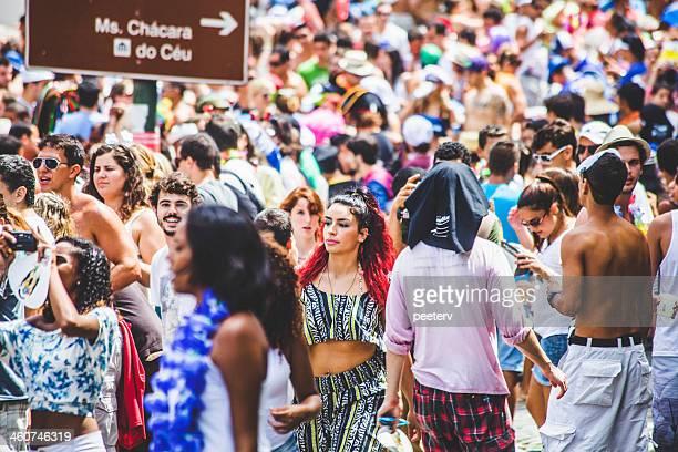Multitud carnaval de la calle.