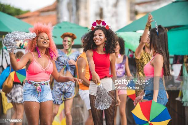 carnaval de rua em olinda, estado de pernambuco, brasil - carnival - fotografias e filmes do acervo